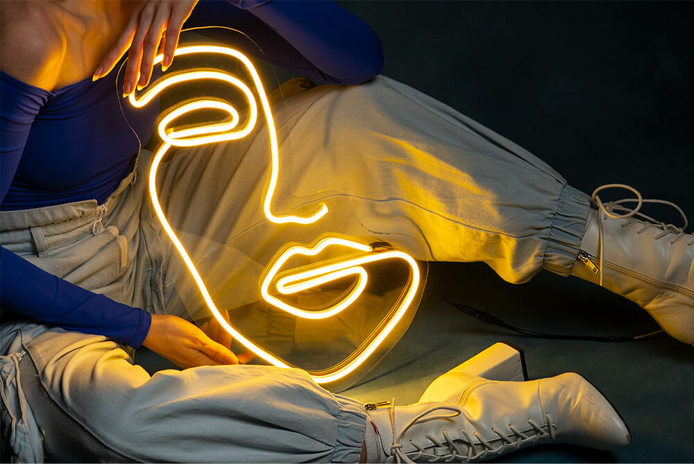 Neoninis LED ženklas Face